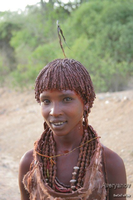 Племя хамер девушка Тора.